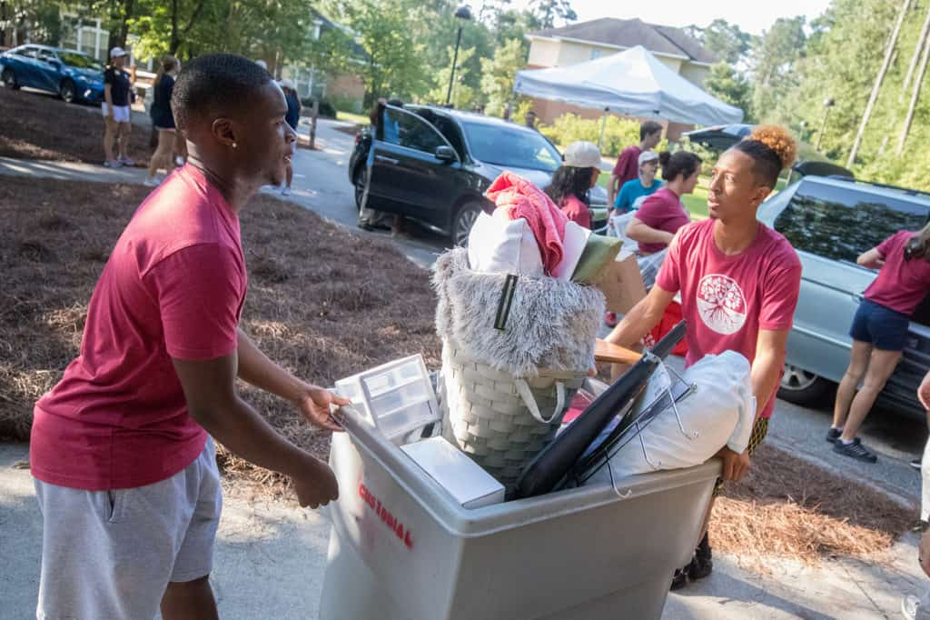 Volunteers helping on move-in day 2017