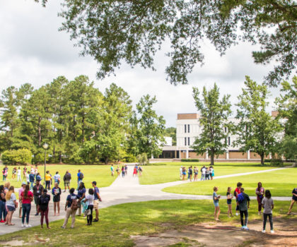 Students on FMU Campus during Orientation