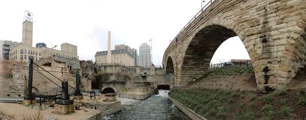 Scenery photo of bridge by Walter Sallenger