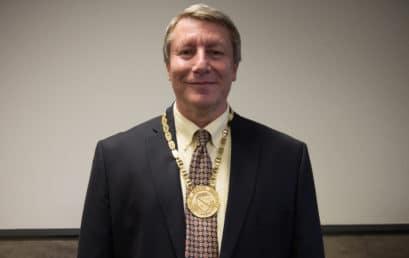 Francis Marion's Best named distinguished professor for 2017-2018