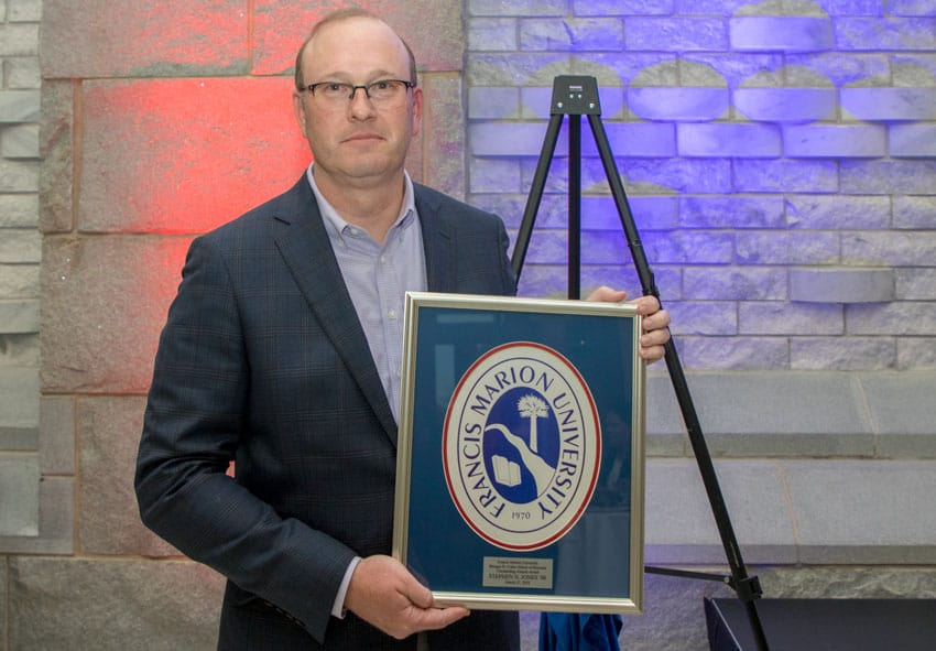 FMU School of Business honors Jones with alumni award