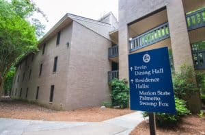 Housing Opens for New Students and Continuing Students