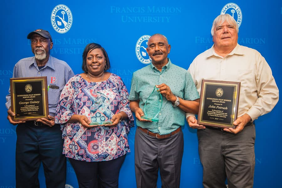 FMU recognizes outstanding staff service