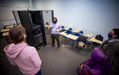 FMU Physics professor awarded National Science Foundation grant